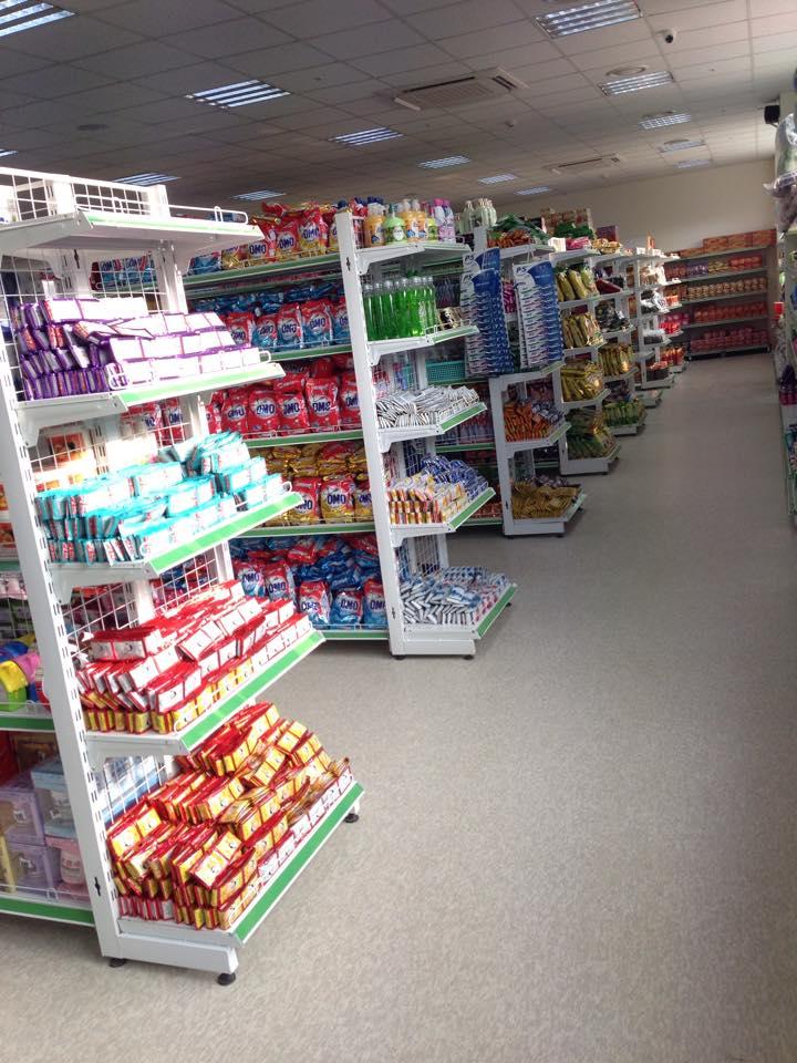 giá kệ siêu thị do công ty Vinamax sản xuất