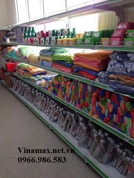 kệ để khăn trong siêu thị