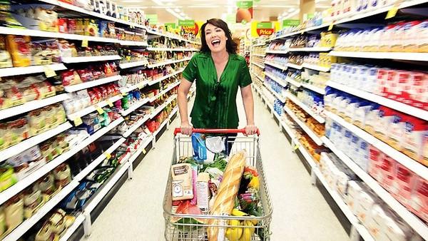 khách hàng đánh giá như thế nào về giá kệ siêu thị vinamax